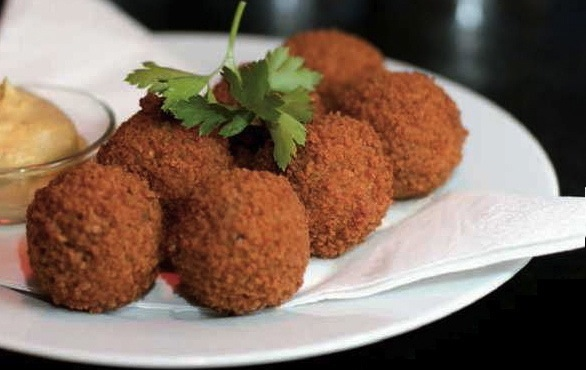 Dutch-Cuisine-bitterballen